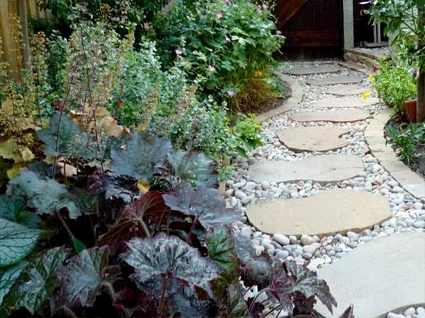 Садовые дорожки из природного камня